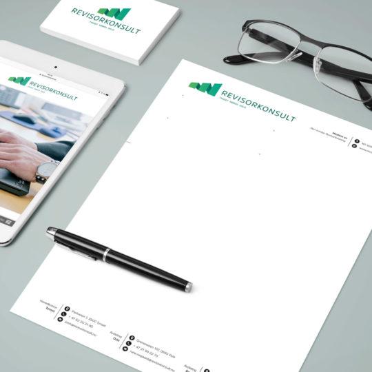 Bilde av trykksaker og visuell profil Haus har laget for Revisorkonsult